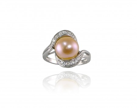 Peach Freshwater Pearl Ring With Crystals