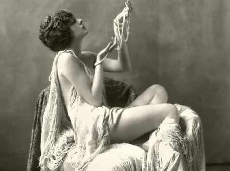 Vintage Lady with Pearls